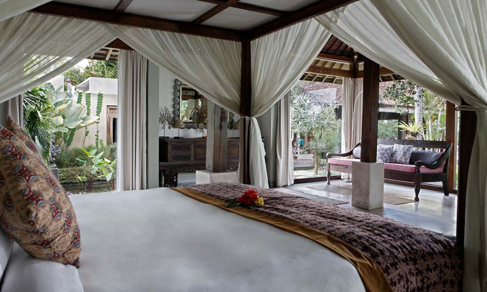 Master bedroom at Villa Bodhi