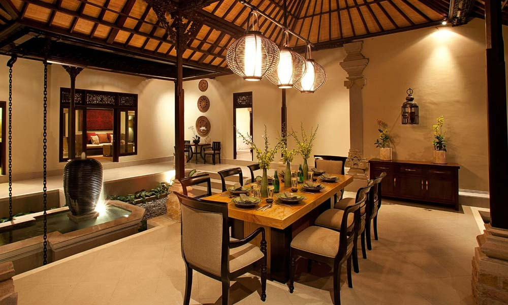 Dining area at Villa Cemadik