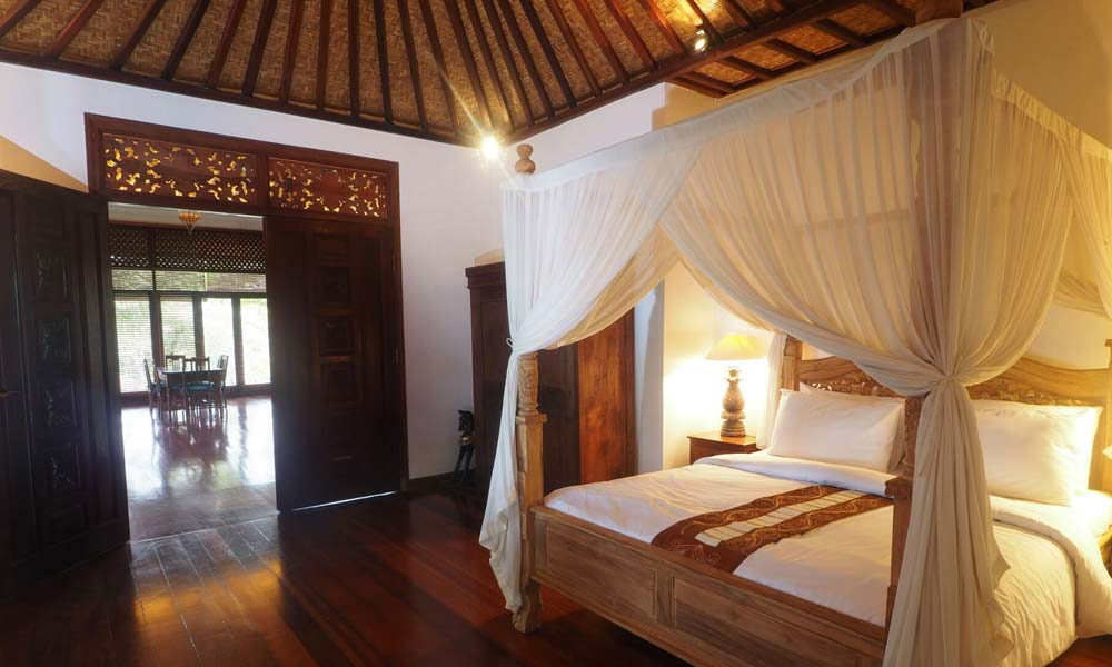 Cozy bedroom at Villa Samaki
