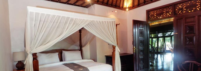 A luxurious bedroom at Villa Samaki