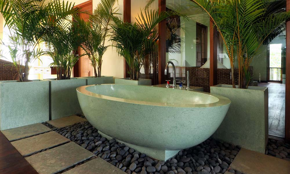 Luxurious private spa at Villa Vastu